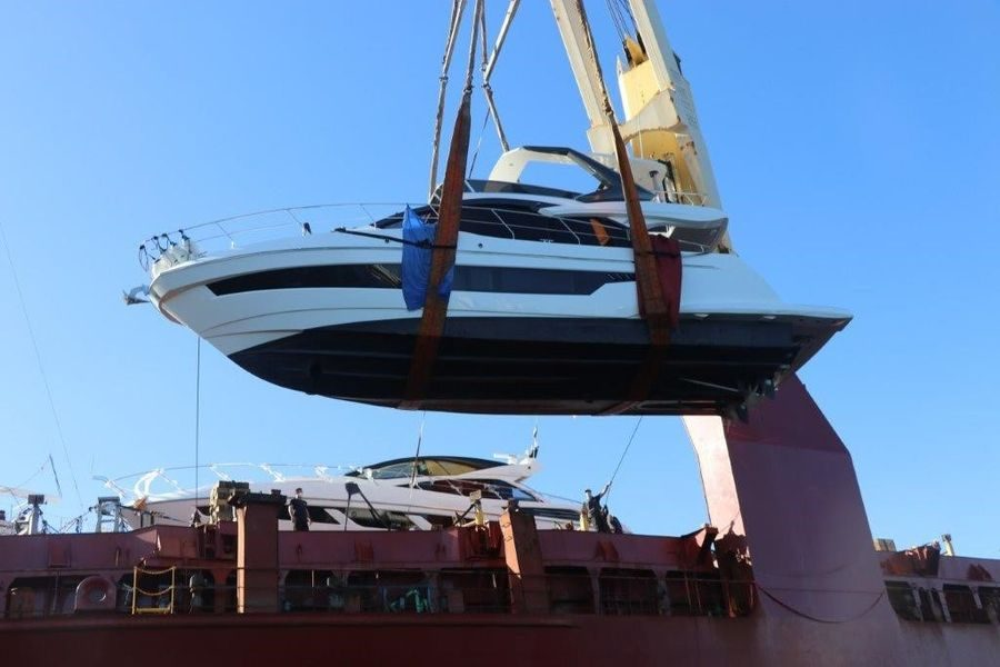 The Brand New Astondoa 52 Flybridge Delivered to its Owners in the US